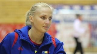 Handbalistele Laura Chiper şi Andreea Pricopi şi-au prelungit contractele cu Corona Braşov