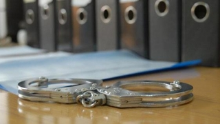 Legea privind pușcăria la domiciliu, contestată la CCR