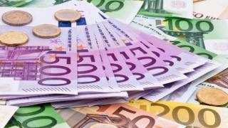 A explodat cursul valutar! Leul, la cea mai slabă cotație din ultimii cinci ani
