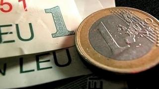 Leul s-a depreciat față de euro