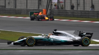 Lewis Hamilton a obținut la Shanghai prima sa victorie din 2017