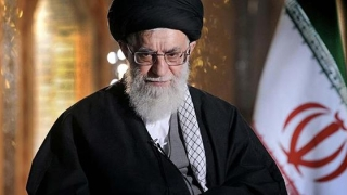 Liderul suprem al Iranului ameninţă SUA!