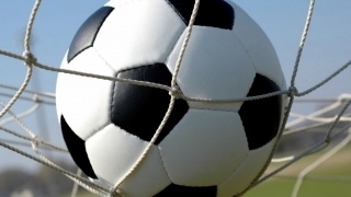 """Primele două clasate din grupe, în semifinalele Cupei """"Valu lui Traian"""" la fotbal în sală"""