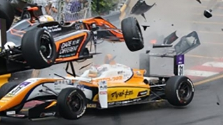 Un pilot a suferit o fractură de coloană, într-un accident la cursa de F3 din Macao