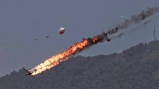 Fără supraviețuitori! Un avion s-a prăbuşit. Ar fi fost lovit de o rachetă
