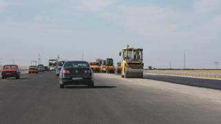 Se astupă gropile de pe autostrada A2