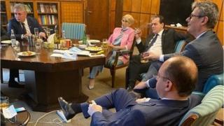 Ludovic Orban explică povestea fotografiei de la Guvern, devenită virală: Era ziua mea. Dacă am greşit plătesc amenda. Greşeala e umană