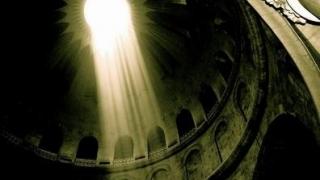 Lumina Sfântă de la Ierusalim a fost adusă în România