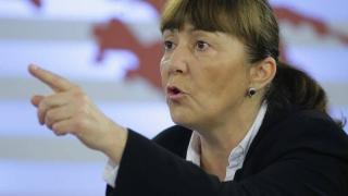 Macovei cere excluderea lui Ponta din avocatură