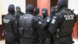 Zeci de percheziții în județul Constanța, la suspecți de contrabandă cu țigări