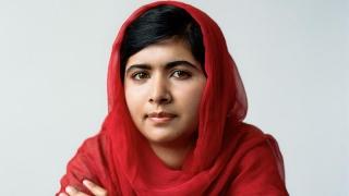 """Emoţionant! Malala, """"fiica Pakistanului"""", primită cu onoruri în ţară!"""