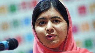 """Malala îl critică aspru pe Trump pentru """"toleranţa zero"""" faţă de imigranţi"""