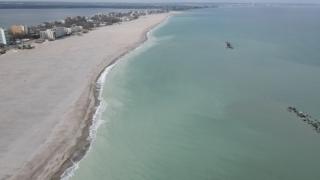 Tot mai puţini turişti vin la plajele lărgite de la Mamaia
