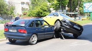 Accident teribil pe bulevardul Mamaia! Patru mașini implicate!