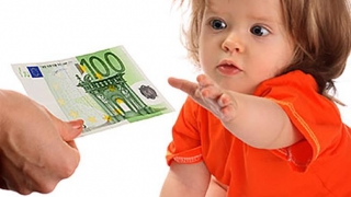 De ce întârzie indemnizaţia de creştere a copilului