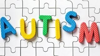 """Mamele, """"vinovate"""" pentru apariţia autismului la bebeluşi?"""