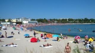 Locuitorii din Mangalia au plajă publică, gratuită! Primăria a licitat pentru ei