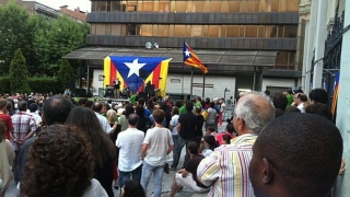 Amplă manifestaţie pro-independență, cu sute de mii de persoane, în Catalonia