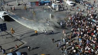 Confruntări violente între poliţie şi manifestanţi, în oraşul turc Istanbul