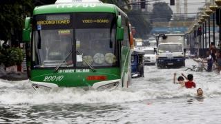 Sute de mii de filipinezi și-au părăsit casele, înainte de sosirea taifunului Nock-Ten