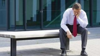 Șase, vine criza economică reală!