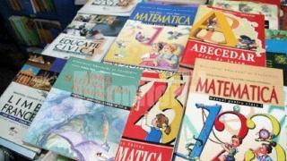 Manualele școlare, în dezbatere publică