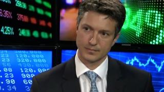 Primul membru al Guvernului care a demisionat pentru a candida: secretarul de stat Manuel Costescu