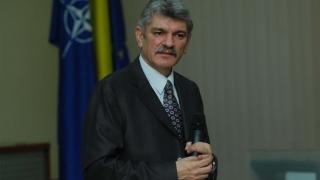 Șeful STS, Marcel Opriș, trecut în rezervă de Iohannis