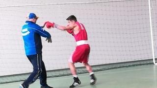 Boxerul Orhan Marcu, vicecampion naţional U22