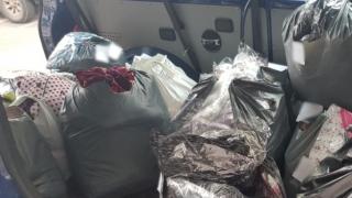 Bunuri fără acte, găsite în bagajele a trei indivizi de polițiștii de frontieră