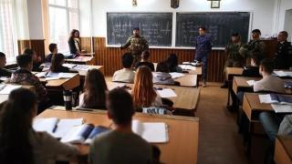 Marinarii militari își caută colegi noi