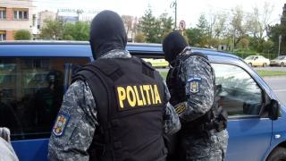 Hoții care operau în Portul Constanța, vizitați de oamenii legii!