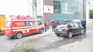 Maşină în flăcări pe strada Unirii