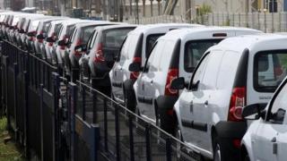 Premieră pe piaţa auto! Maşină pe abonament, ca telefoanele mobile!