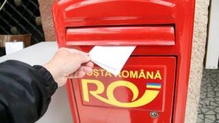 Mașinărie de insert în plicurile Poştei Române