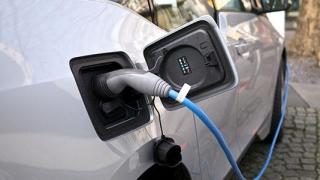 Unul din trei români vrea mașină electrică