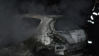 Piromanul care a incendiat opt maşini în Bucureşti a fost prins