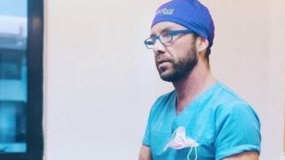 """Controversatul """"chirurg"""" Matteo Politi îşi deschide o clinică în centrul Bucureştiului!?"""