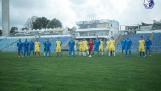 Bucuria de a juca fotbal pe stadionul din strada Primăverii