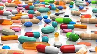 Peste 50% dintre medicamentele vândute pe internet, cu substanţe toxice