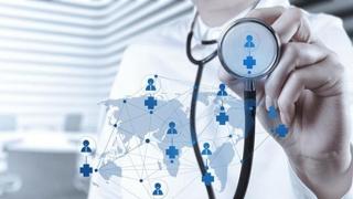 Arafat vrea ca medicii să aleagă: Ori la stat, ori la privat!