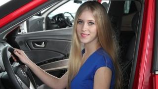 Merită să-ți cumperi o mașină pe timp de criză economică?