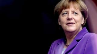 Angela Merkel dorește o cooperare strânsă cu Emmanuel Macron