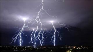 ALERTĂ METEO - informare de ploi valabilă de sâmbătă până luni. Vezi zonele afectate