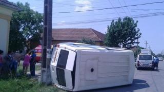 Microbuz răsturnat! Cinci cetățeni bulgari sunt răniți!