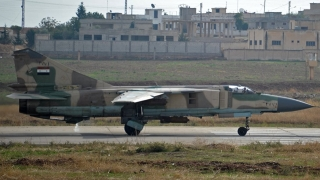 Un avion militar sirian s-a prăbușit în sudul Turciei