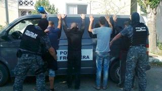 Unsprezece migranți străini, opriți când voiau să treacă frontiera românească