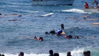 Peste 1000 de migranţi, salvaţi din Marea Mediterană