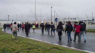 Vor începe lucrările la zidul pentru oprirea migranților din Calais
