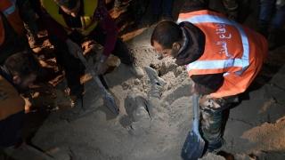 Mii de morţi uitaţi în gropi comune! HRW cere sprijin pentru aflarea adevărului